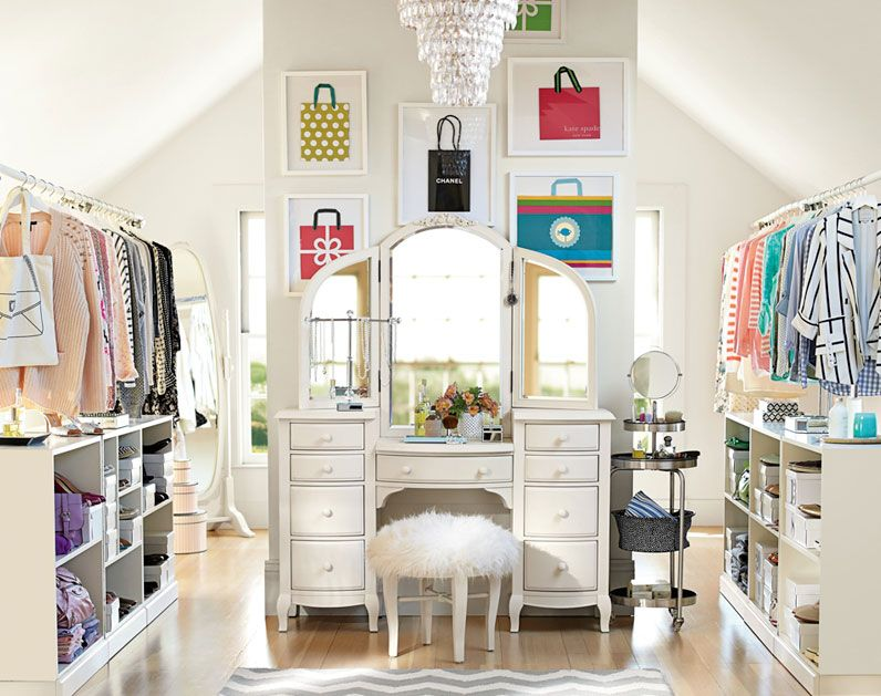 I LOVE The Closet To The Side, Except Maybe Not The Actual Hangers Just  The. Pb Teen ...