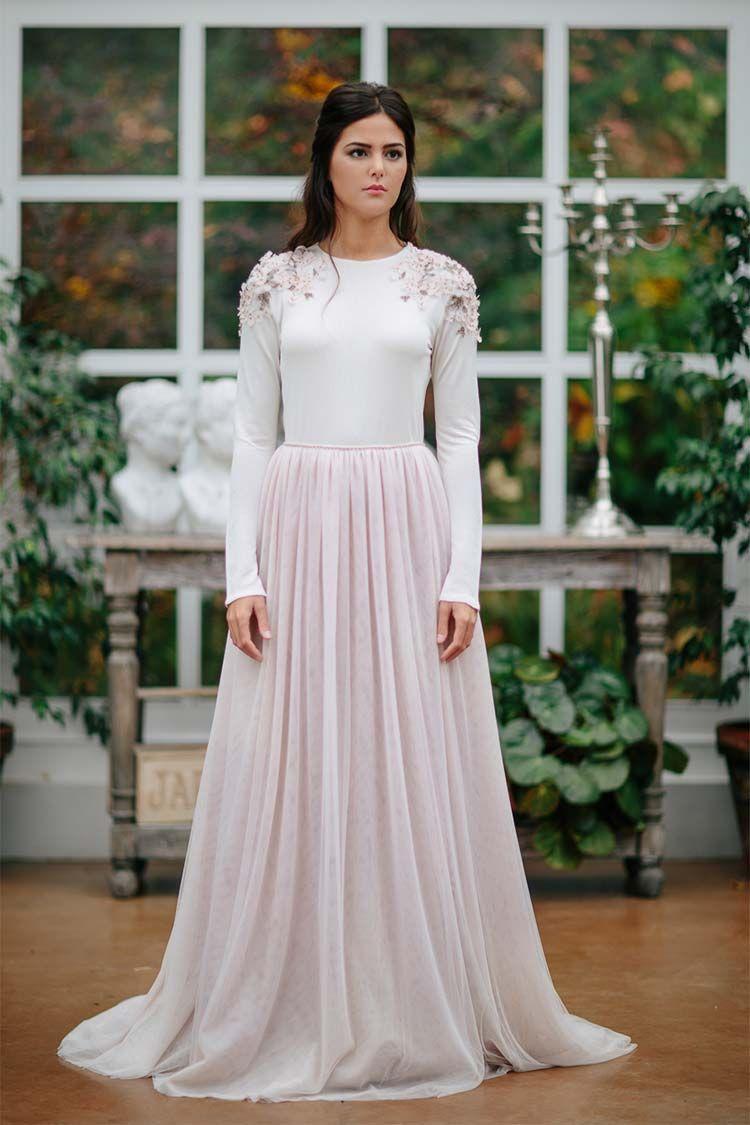 Vestidos de novia con estampados en la espalda