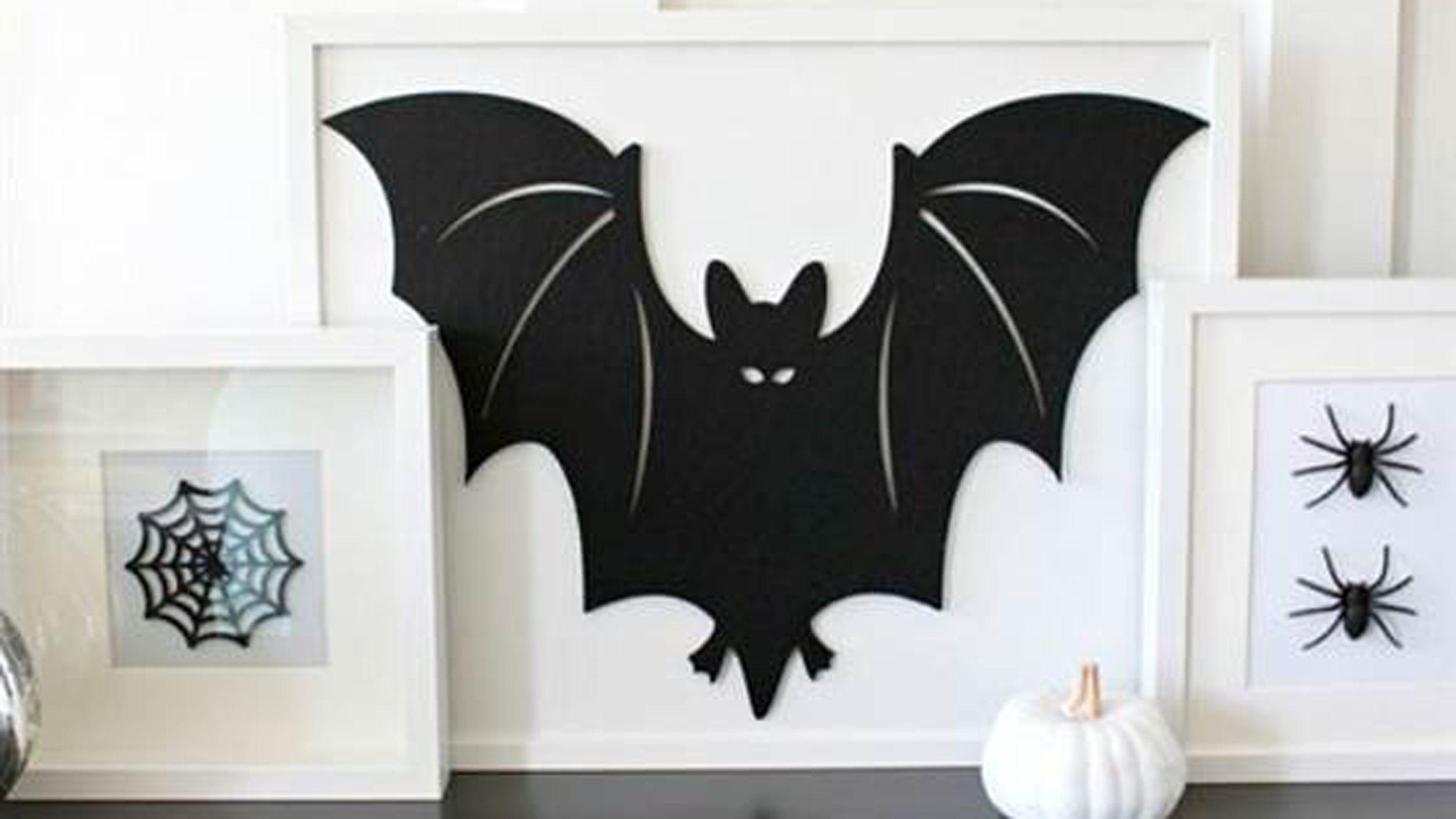 Go black and white this Halloween 7 irresistible DIY decor ideas - black and white halloween decorations