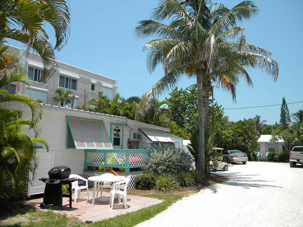Welcome To Shell Basket Lane At Gulf Breeze Cottages Sanibelisland Sanibel Island Island Vacation Rentals Cottage