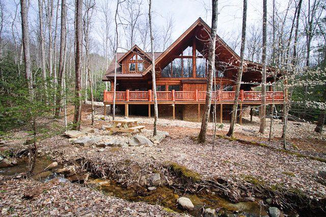 Emmau0027s Place   Gatlinburg Cabin Rentals   Tennessee Chalets Gorgeous  4/4/sleeps 10