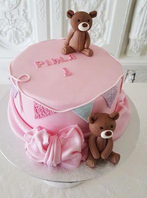 Purppurahelmen juhla- ja  fantasiakakut: Pikku Pihlan kakku
