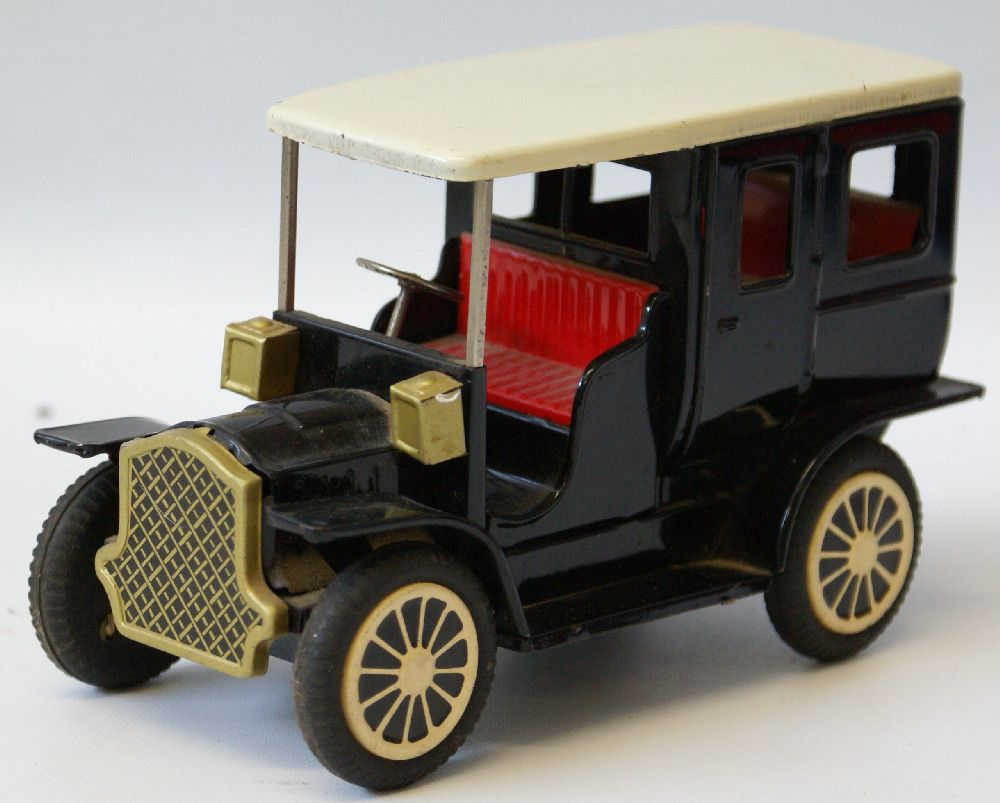Vintage Tin Friction Ford Model T Toy Car Made In Japan Cragstan