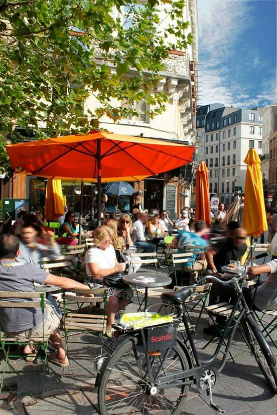 💗💘💝💞 Discover #Brussels ' flavors with us  👄👅❤👌✌👏😜😎😉 #MustSee & #PlaceToBe #CityOfBrussels #Terraces #Restaurants #Brusselslife www.brusselslife.be #VisitBrussels #HapAppBrussels #ErfgoedBrussel #ErfgoedBrabant #ErfgoedBelgië #VisitBrabant #VisitBelgium #IkbenBrussel #IkbenBelg #TrotseBelgen #StolzeBelgier #ProudBelgians #ILikeBelgium #BelgiumIsBeautiful #Belgientourismus 💓💔💕💖