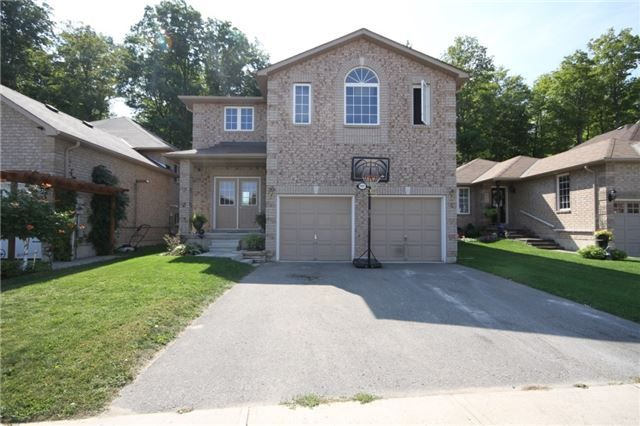 his Bright 4 Bdr, Open Concept, 2 Storey Home Has Over 2400 Sq Ft Living Space.