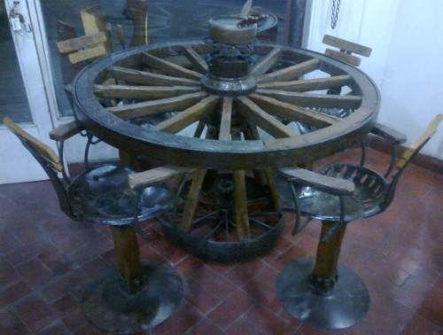 Mesa de rueda de carro carreta asientos de tractor tractores carretilla y ruedas - Ruedas de mesa ...