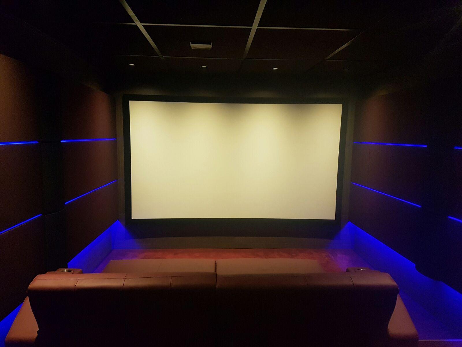 Vue D Ensemble Salle De Cinema Privee Siege Day Beds