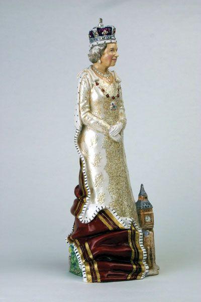 Bronte porcelain Queen Elizabeth II .... magnificent ...