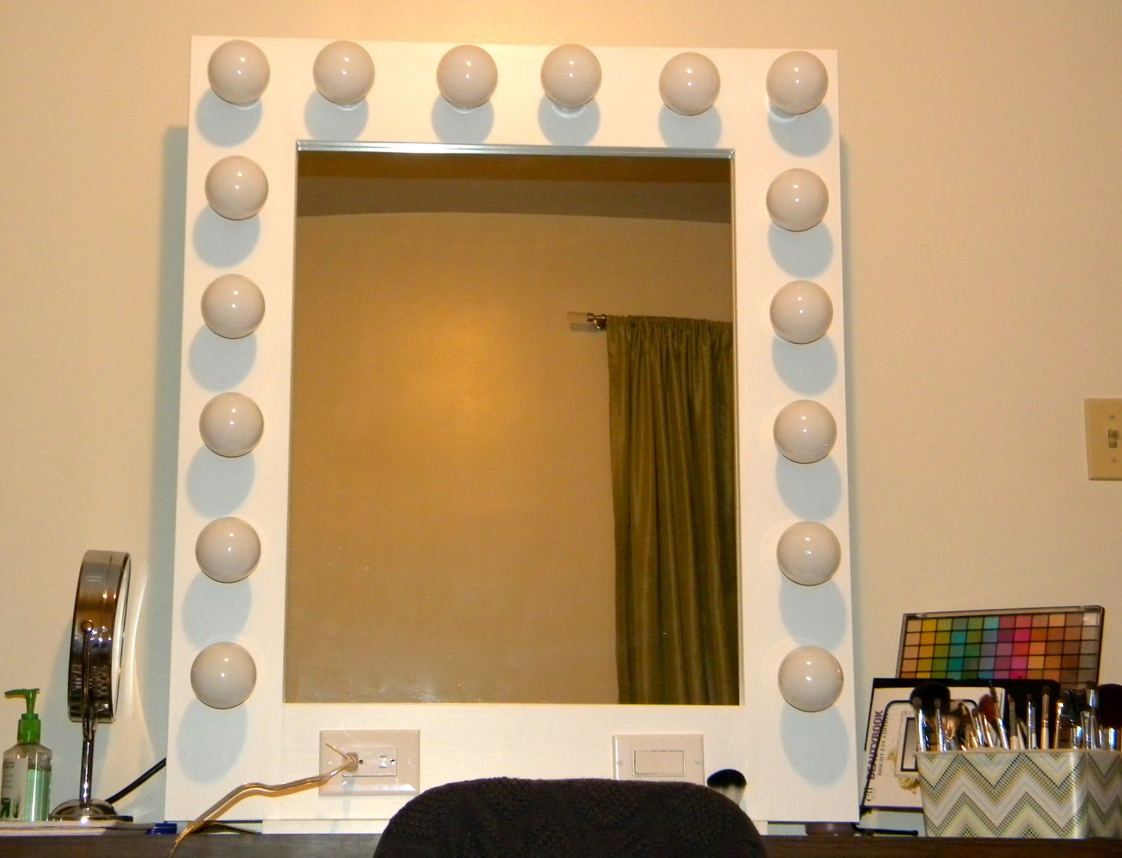 Importance of Vanity Mirrors with Lights   Light Decorating Ideas    Importance of Vanity Mirrors with Lights   Pinterest   Ideas  Lights and  Decorating. Importance of Vanity Mirrors with Lights   Light Decorating Ideas