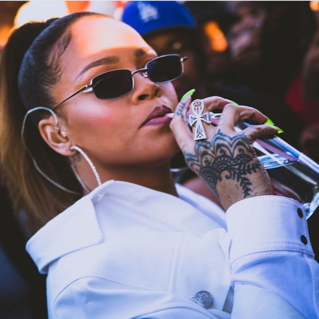Rihanna   Robyn R. Fenty da queen   Pinterest 7cc68763c0