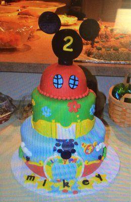 Mickey mouse cake  http://www.simplysweetzboutique.net/