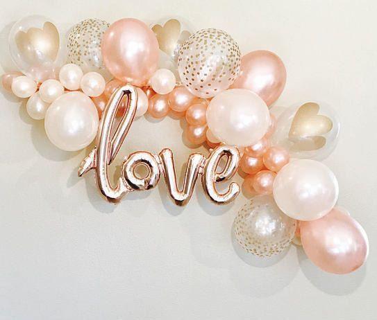 LIEBE ist in der Luft (buchstäblich) mit dieser lustigen und einfachen DIY Girlande! Du kannst das schaffen #bridalshowerdecorations