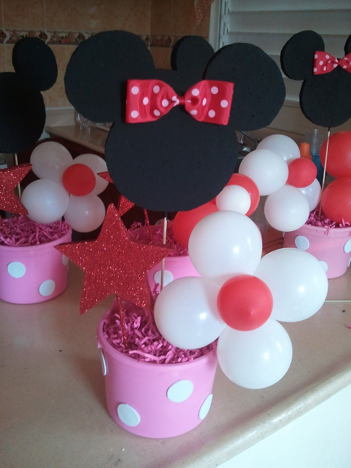 Lillys Backyard DIY Minnie Mouse Party Ideas Centerpieces