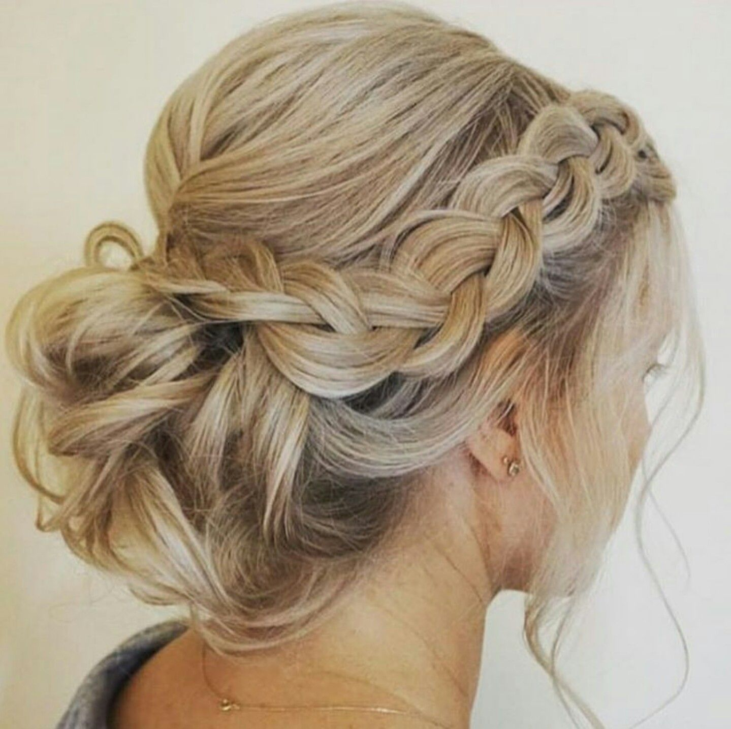Pin by laura sabal on brides hair style ideas pinterest prom