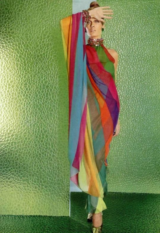 Isa Stoppi per Christian Dior (1967) Photo by: Jean Louis Guégan