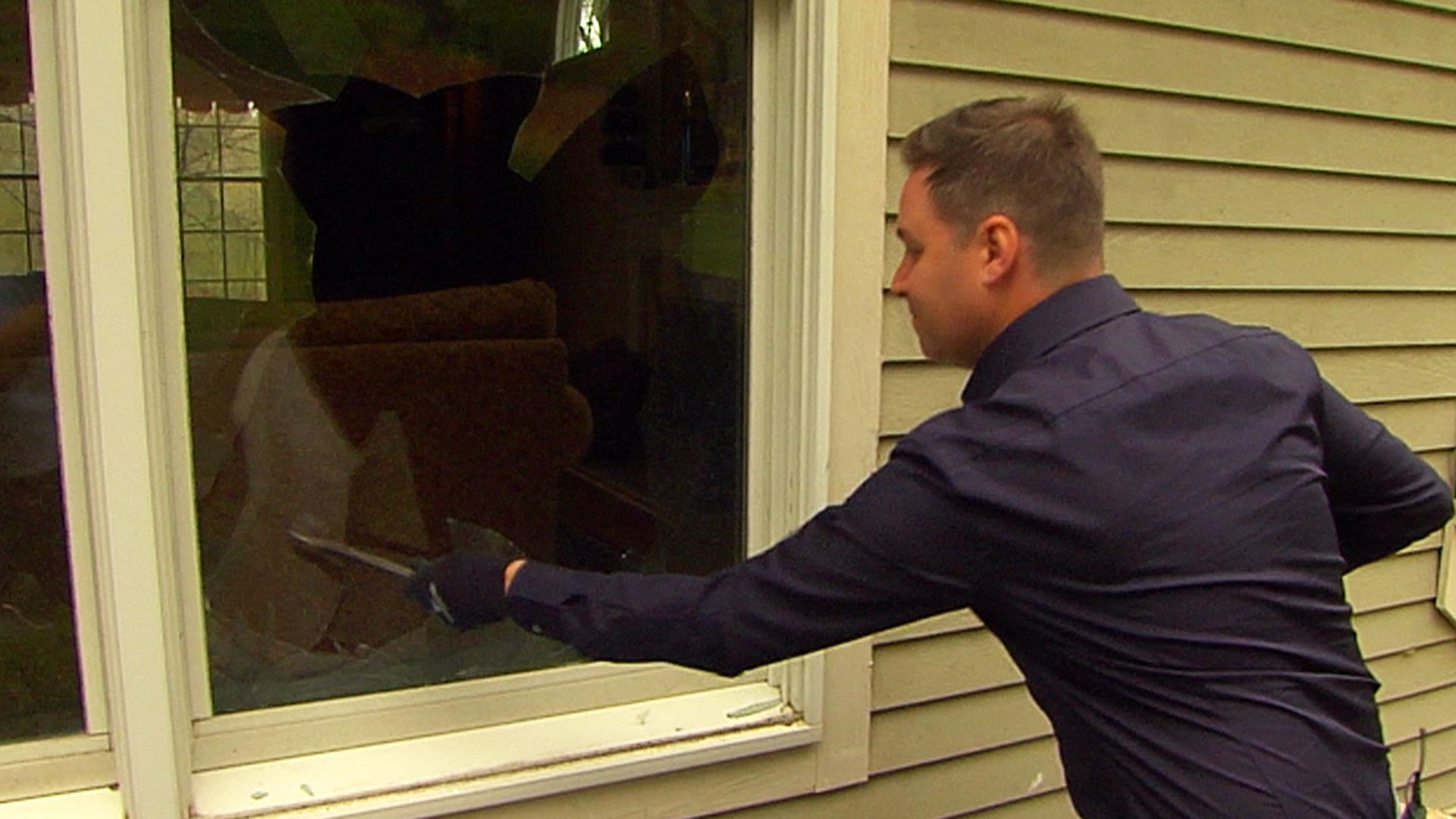 Rossen Demonstrates New Home Security Tech That Alerts You