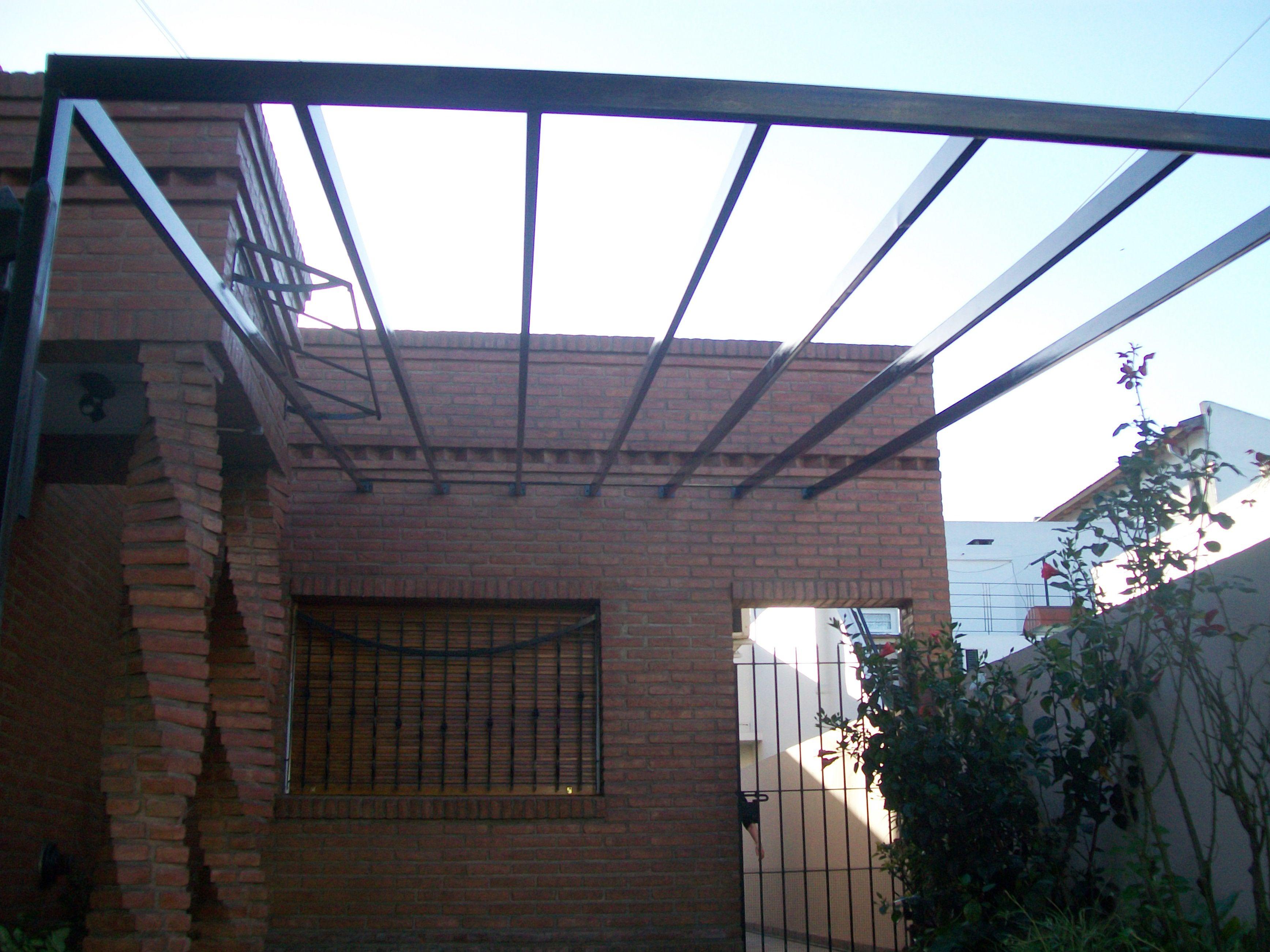 Cubierta garage realizada en ca o estructural y for Garajes con techos policarbonato