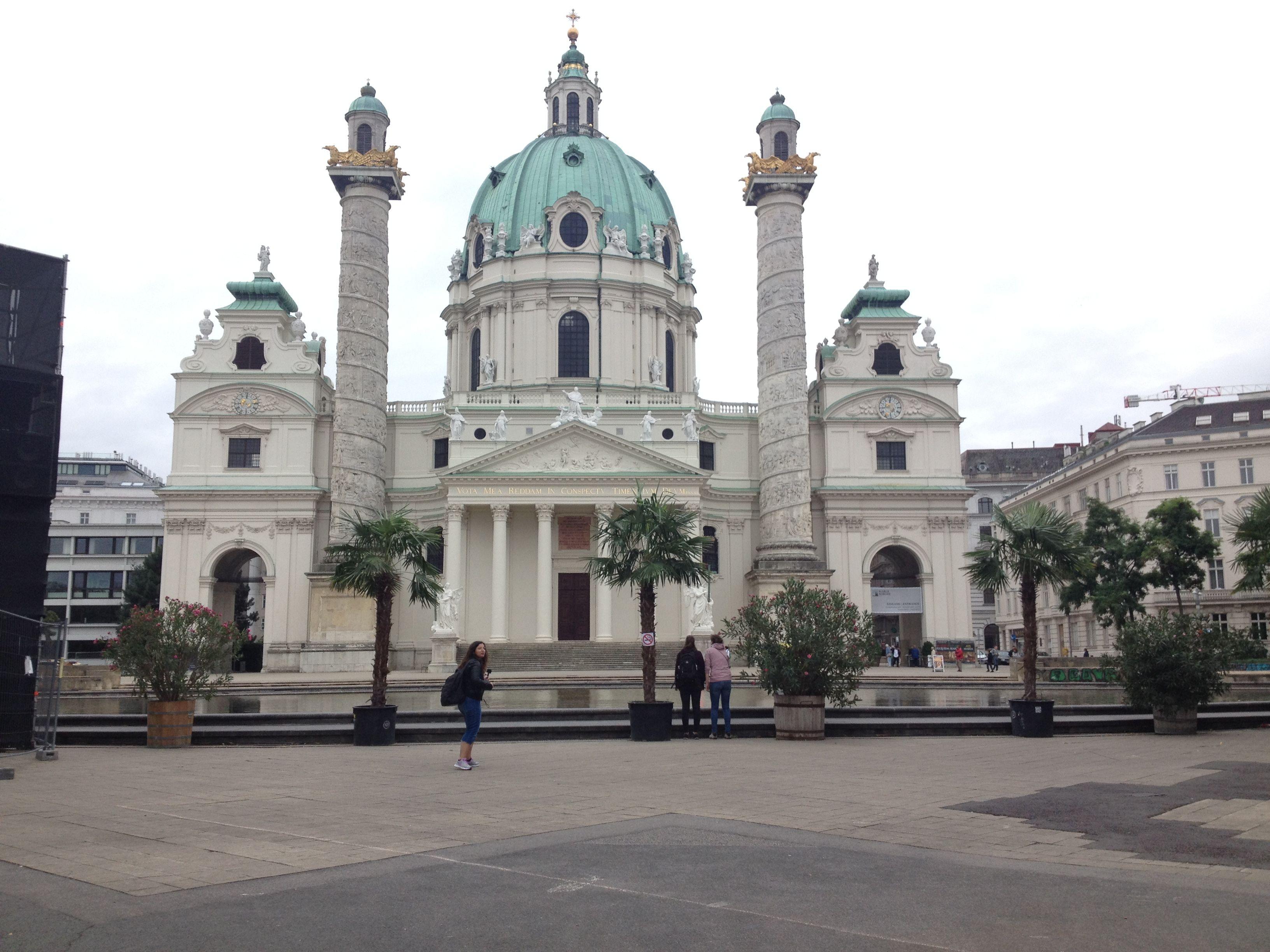 Chiesa San Carlo Borromeo, Vienna