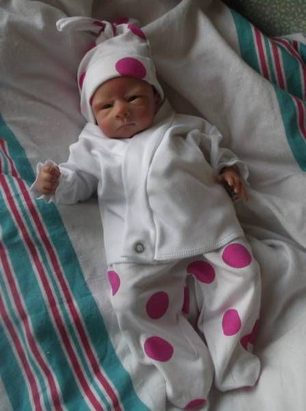 7ff216d4b312 pretty premature baby clothing 3-5lb polka dots | Liken to CMH, 1st ...