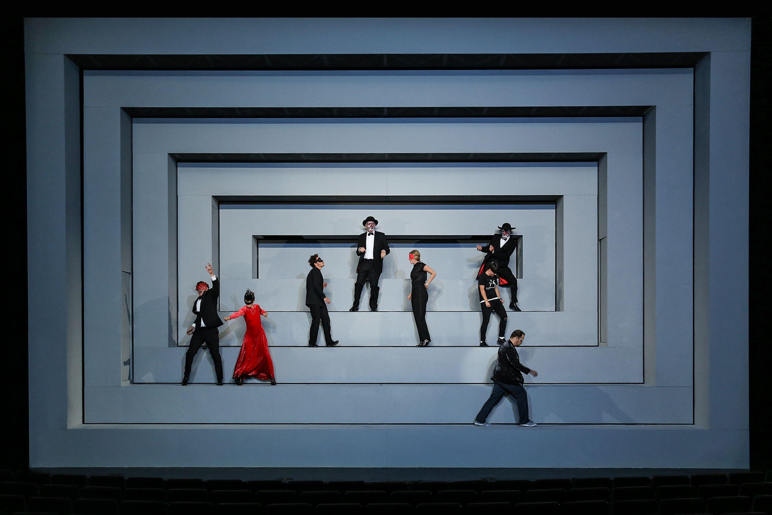 Stagedesign for Bertolt Brechts LEBEN DES GALILEI a play for Staatstheater Saarbrücken, Germany by Sebastian Hannak