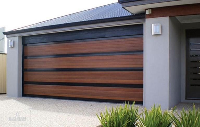 155 Pretty Home Garage Doors Design Ideas That You Must See Homedoor Doordesign Doordesignideas Bardas De Casas Casas Bardas