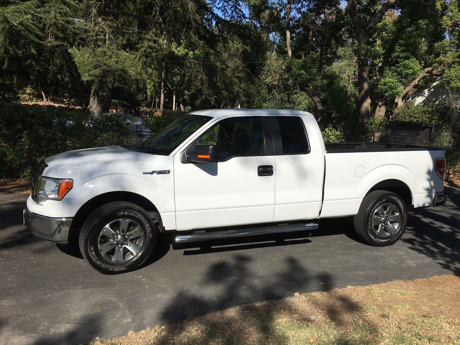 well equipped 2011 Ford F 150 XLT pickup Ford f150
