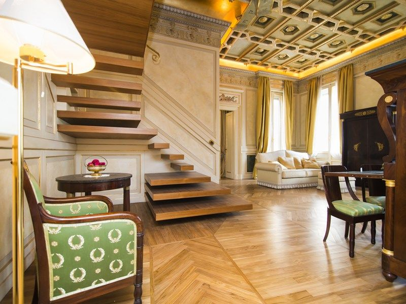 Property Of Lavish apartment in neoclassical style Milano