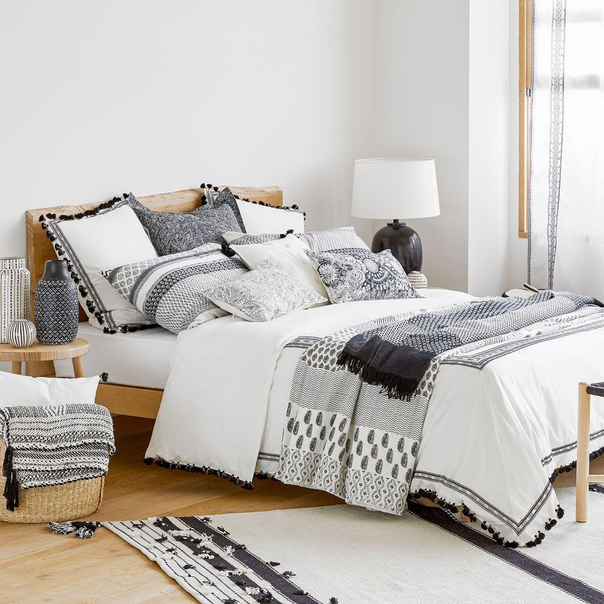 Bettwäsche Aus Baumwollperkal Mit Stickerei Und Bommeln Wohnung