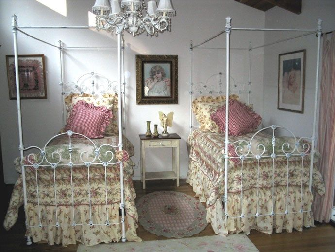 Very Collectible Victorian Twin Size Canopy Beds Circa 1850 S