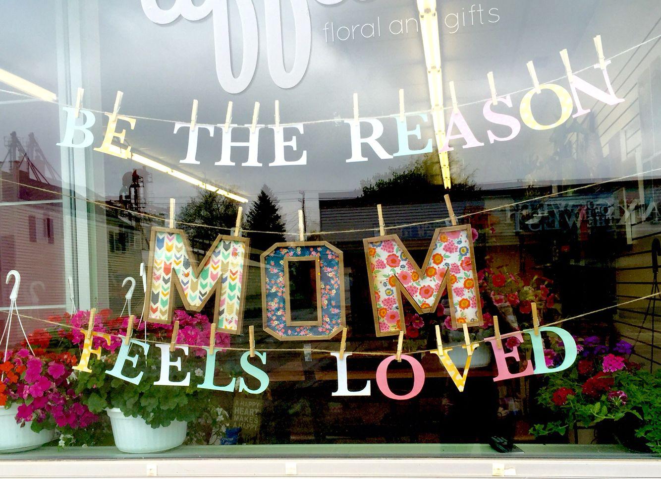 Mother S Day Display Valentines Window Display Flower Shop