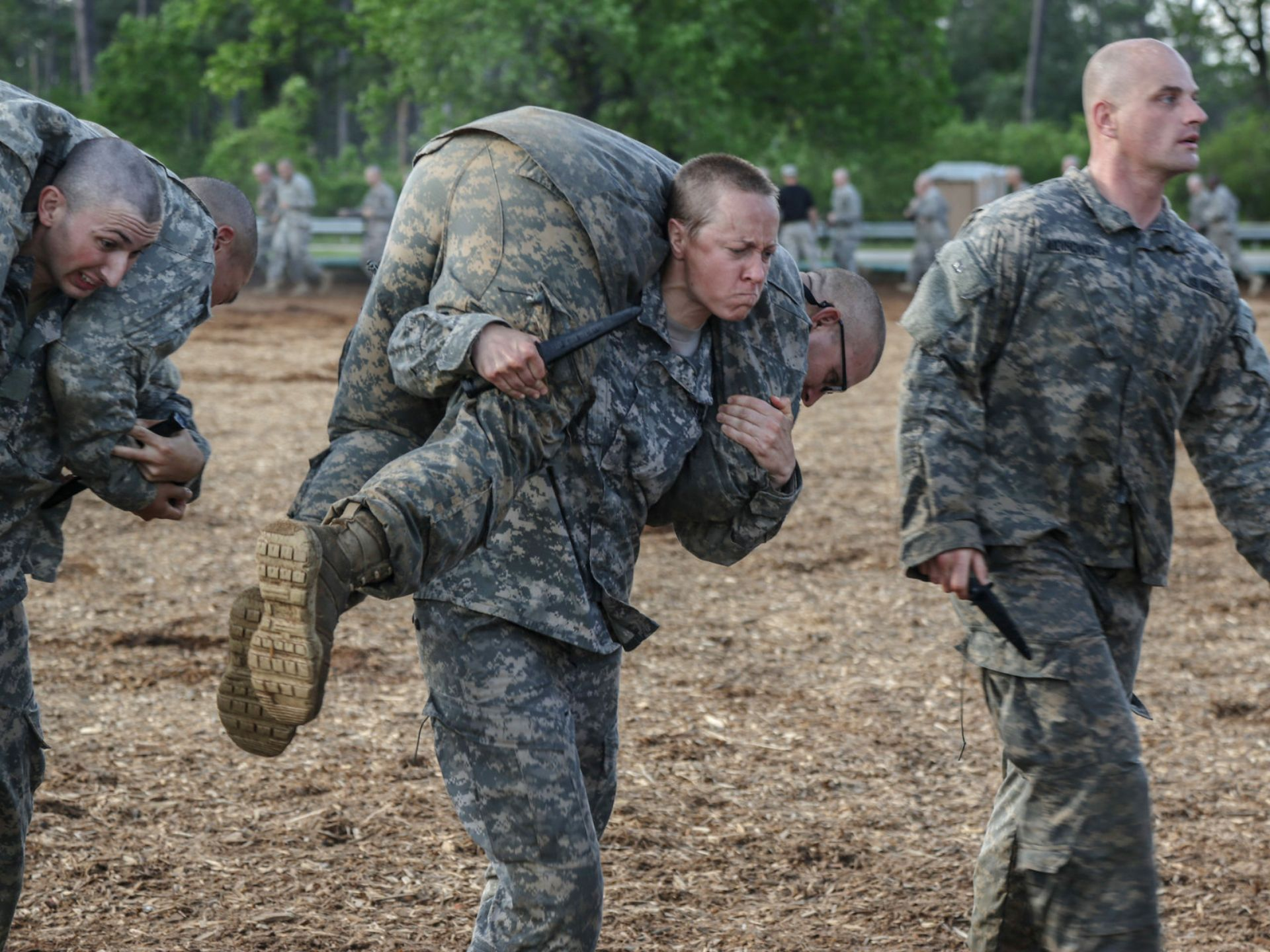 U.S.soldiers conduct combatives training during the Ranger