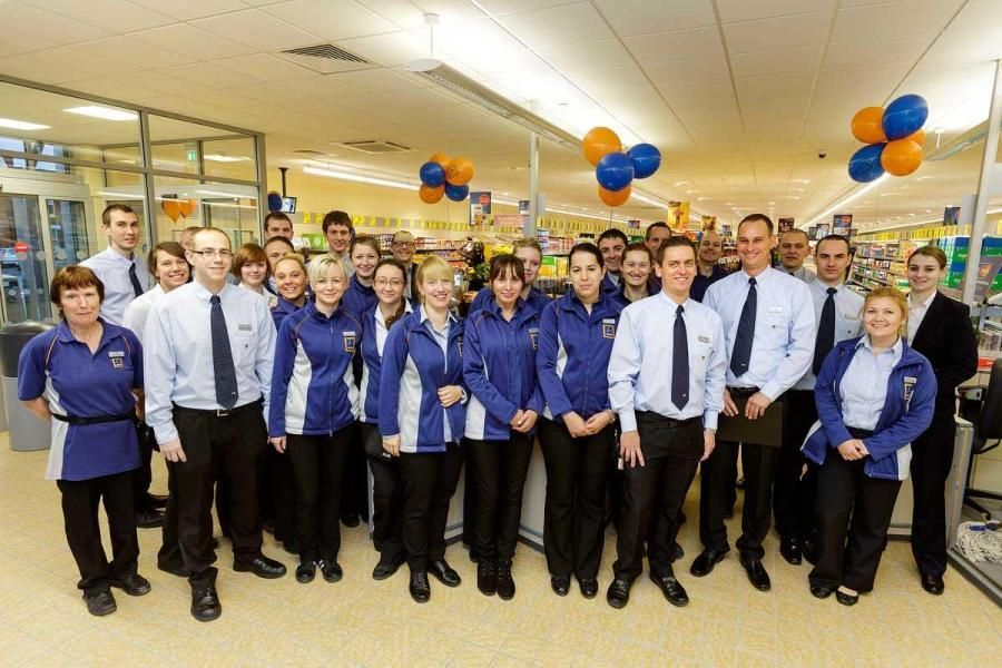 Lidl Staff Uniform Google Search Staff Uniforms Uniform Lidl