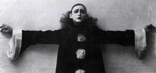"Alexander Vertinsky as ""sad Pierrot,"" Moscow, 1918. Photograph by A. Gorinstein."