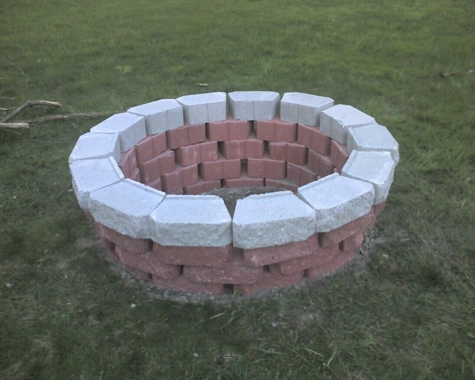 Use Up Left Over Bricks For This Simple Firepit Diy Fire Pit Outdoor Fire Pit Designs Fire Pit Essentials