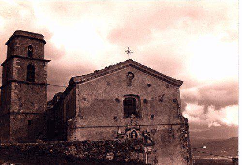 La chiesa madre di Morra De Sanctis dei SS. Pietro e Paolo prima del terremoto