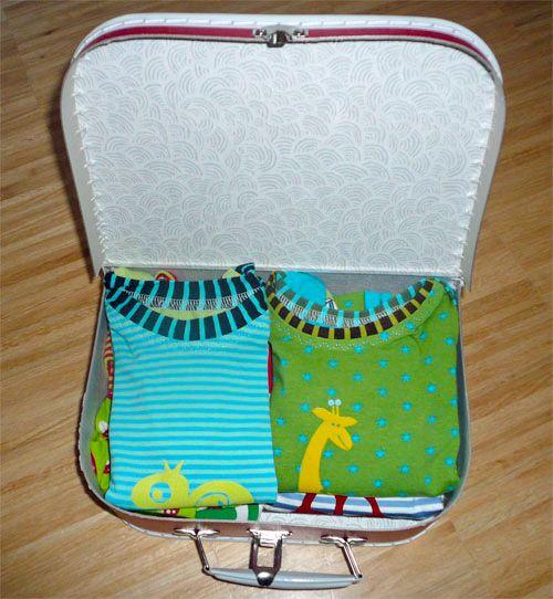 Idee Babykombi im Köfferchen verschenken Schnittmuster