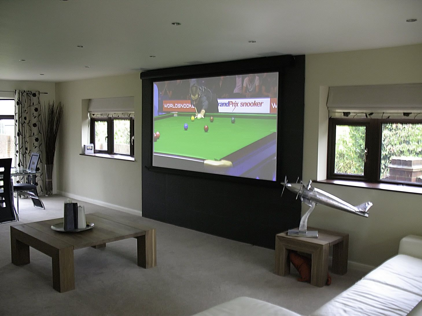 10608 M Tensioned Projection Screen In Home Cinema (1459×1094)
