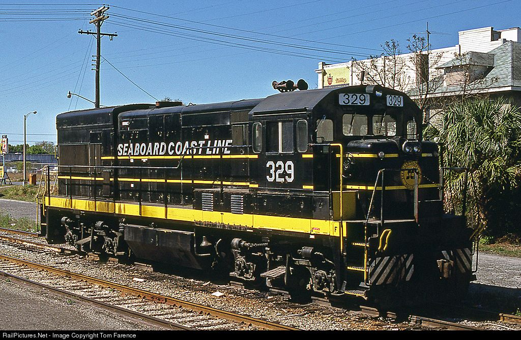 Railpictures Net Photo Scl 329 Seaboard Coast Line Ge U18b At Orlando Florida By Tom Farence Railroad Photography Railroad Photos Train Pictures