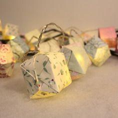 Guirlande Lumineuse Origami 24 Leds Papier Motifs Nature Tons Jaune Mauve Vert