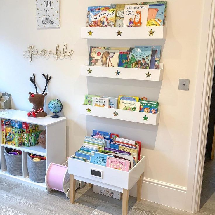 "Photo of Great Little Trading Co on Instagram: ""Book storage goals 😍  We love @mamaandherlittlestloves' playroom set up: staggered star book ledges, a potter library table, and an…"""