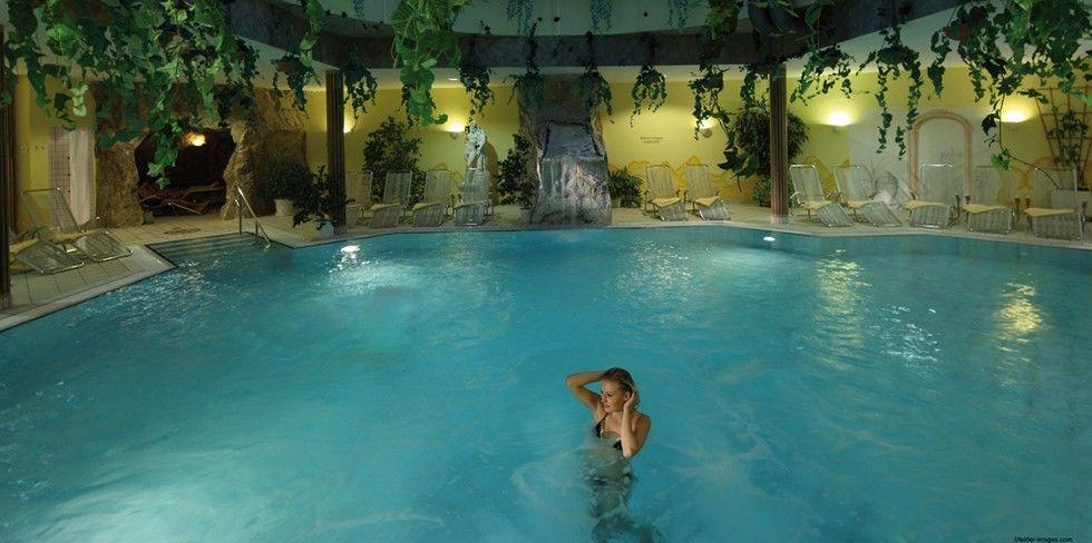 Pool Mit Schwarzwälder Quellwasser Im Hotel Auerhahn Schwarzwald