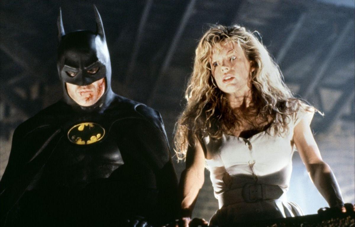 Batman (1989) - Michael Keaton & Kim Basinger   Keaton batman, Batman le défi et ...