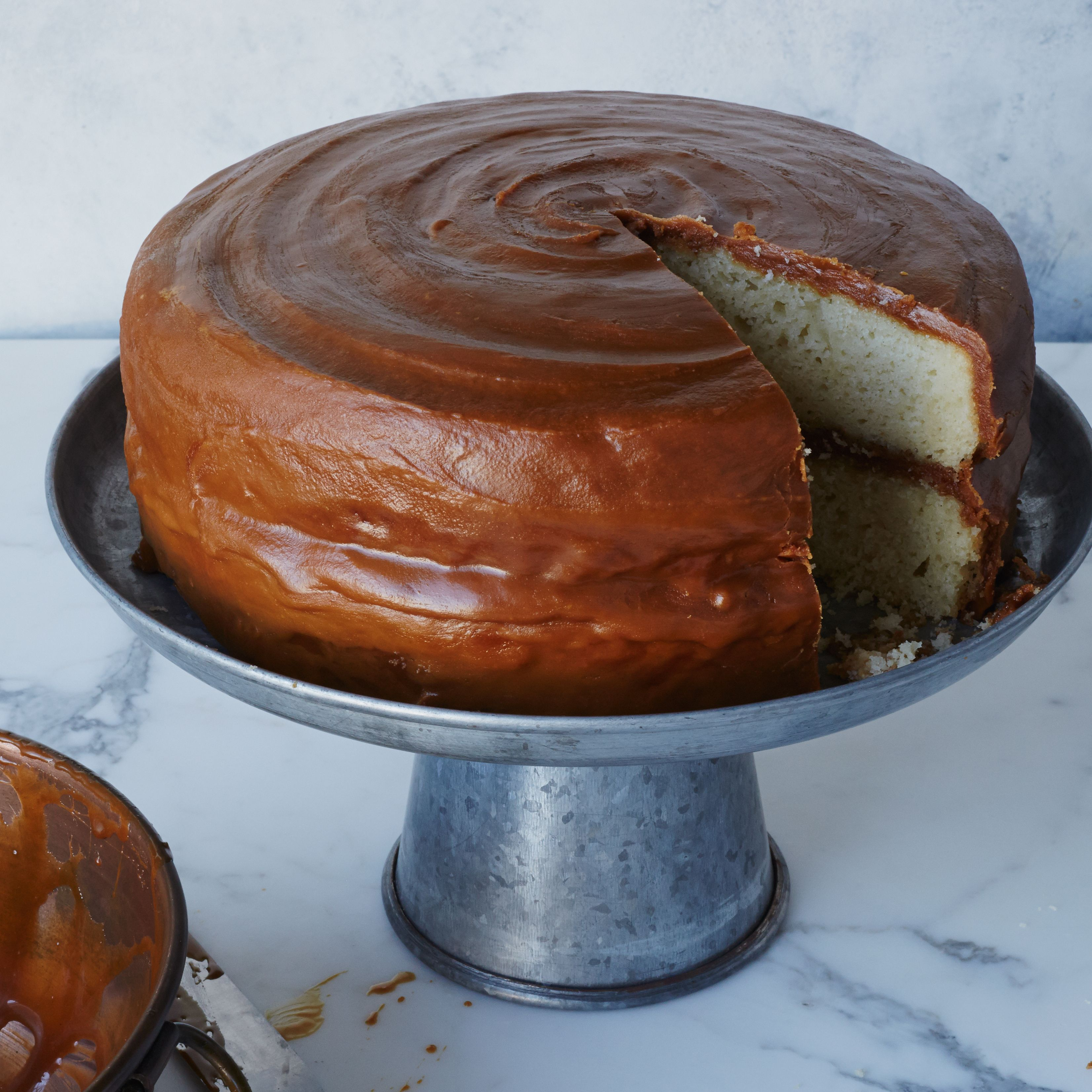 Caramel layer cake recipe caramel layering and wine caramel layer cake forumfinder Choice Image