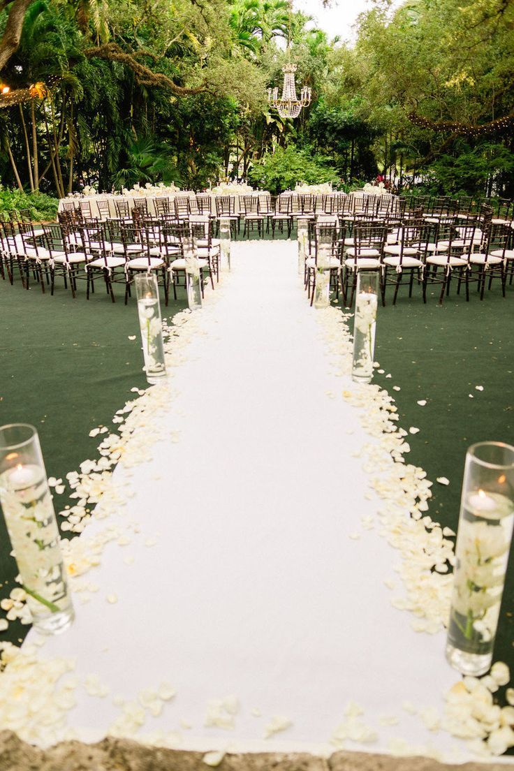 Wedding Ideas: 21 Gorgeously Inspiring Ceremonies - MODwedding #ceremonyideas