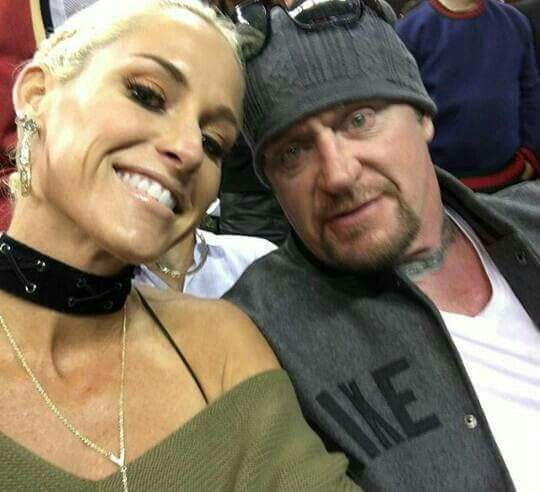 Undertaker & Michelle McCool, at Cleveland Cavaliers Game ...Michelle Mccool And Undertaker 2013
