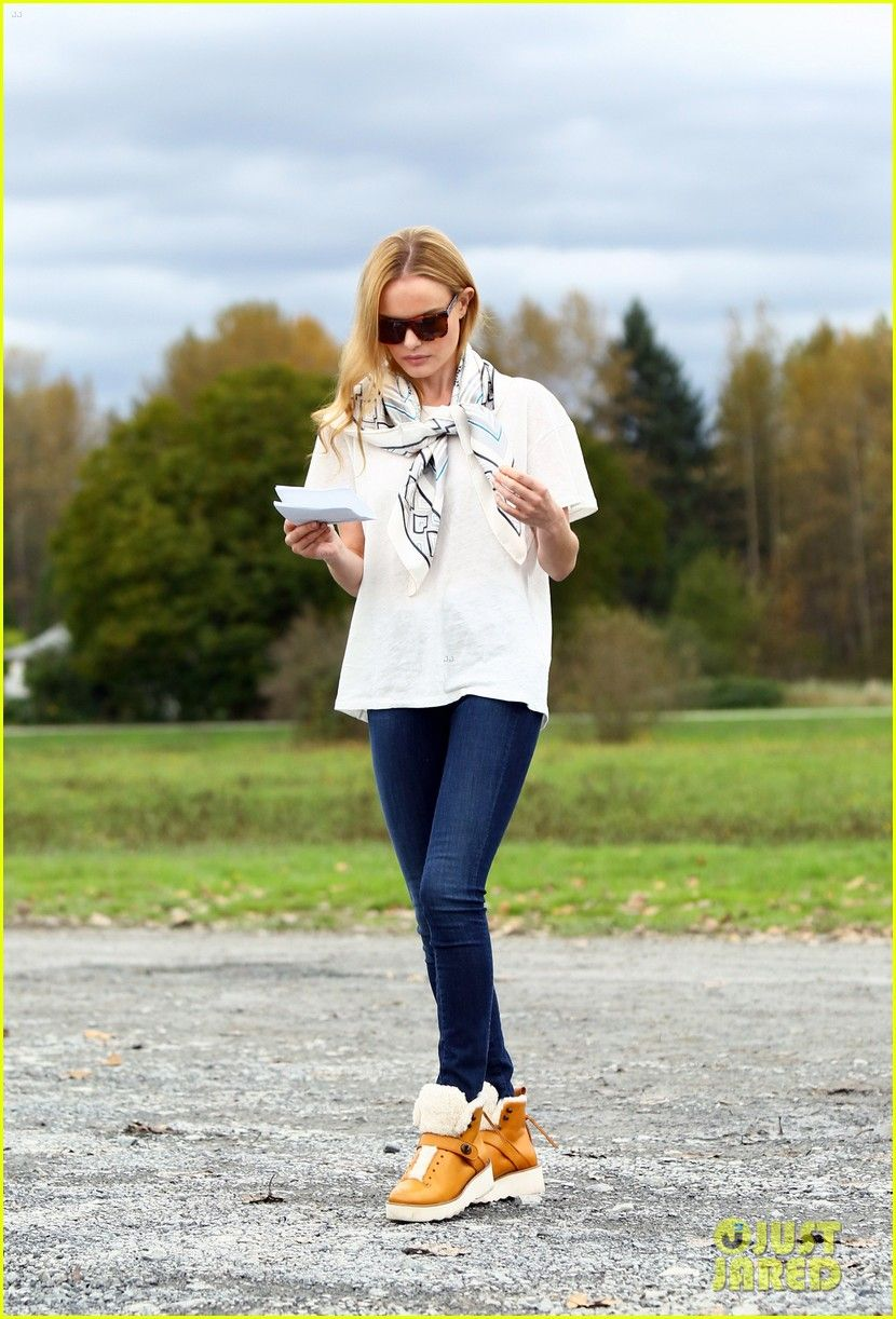 #Kate Bosworth #Boots #Jean #Scarf #Sunglasses #StreetStyle