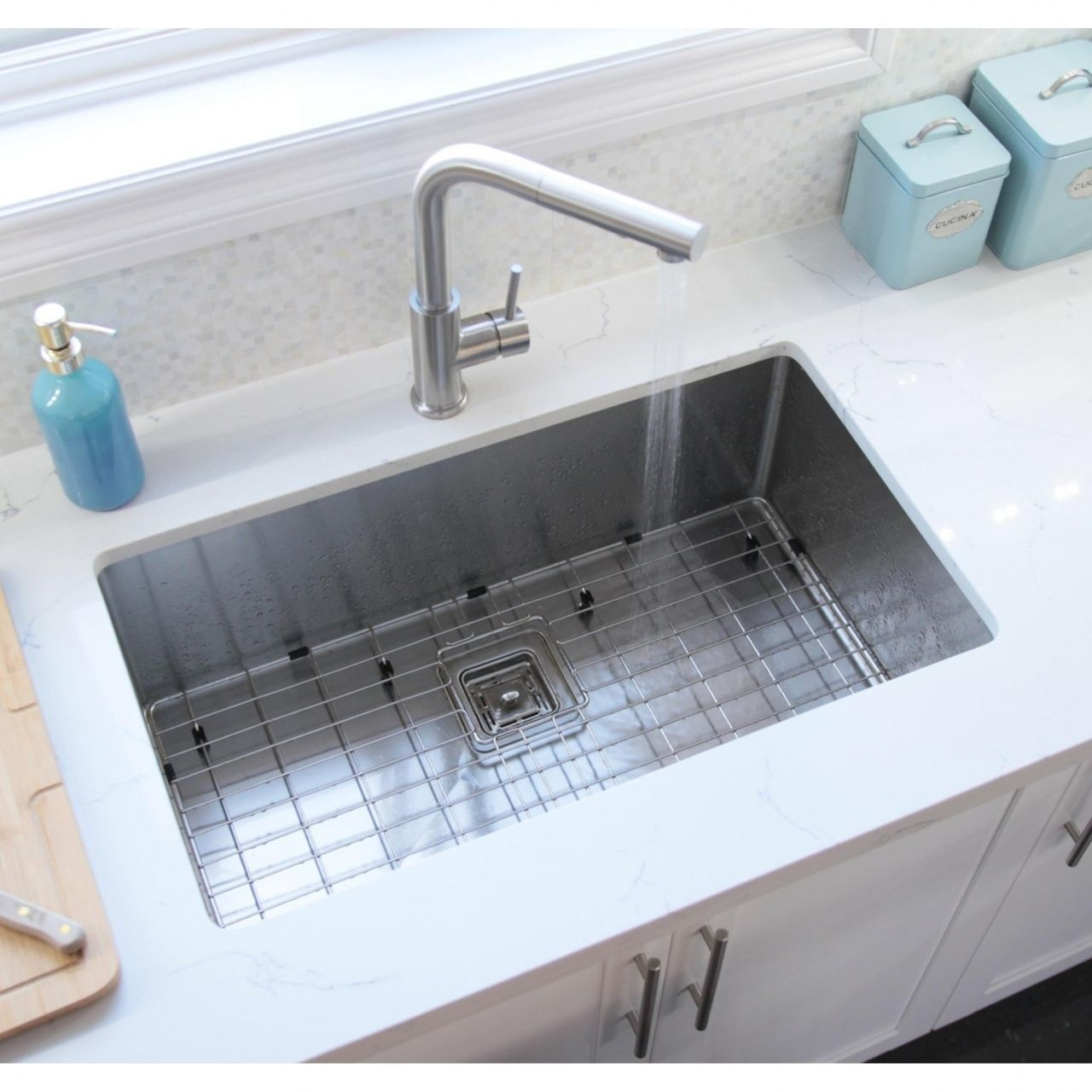 Kitchen Sink Size For 30 Inch Cabinet In 2020 Commercial Kitchen Sinks Kitchen Sink Sizes Undermount Kitchen Sinks