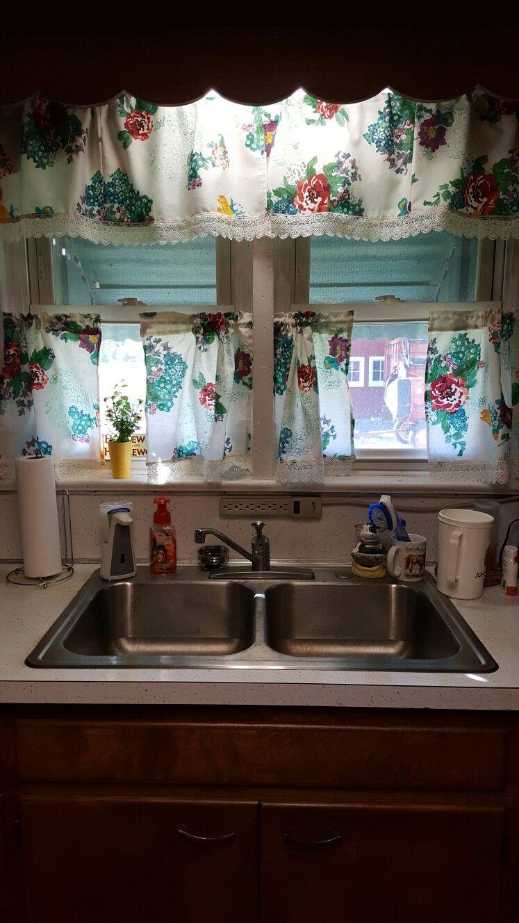 Turned My Pioneer Woman Napkins Into Kitchen Curtains Mb Pioneer Woman Kitchen Pioneer Woman Kitchen Decor Kitchen Decor