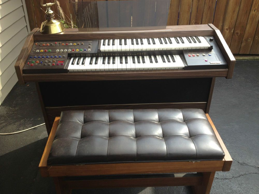 Lowrey vintage model gl1 electronic organ gl 1 musical for Classic house organ bass