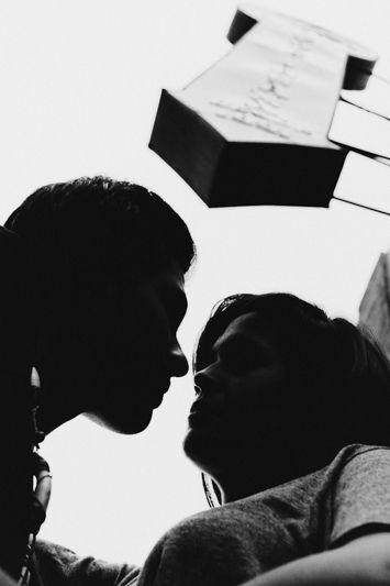Cuantas veces no me los encontré afuera de #cafeiguanas #savethedate #monterrey #barrioantiguo #love #novios #weddingphotography #BMbodas